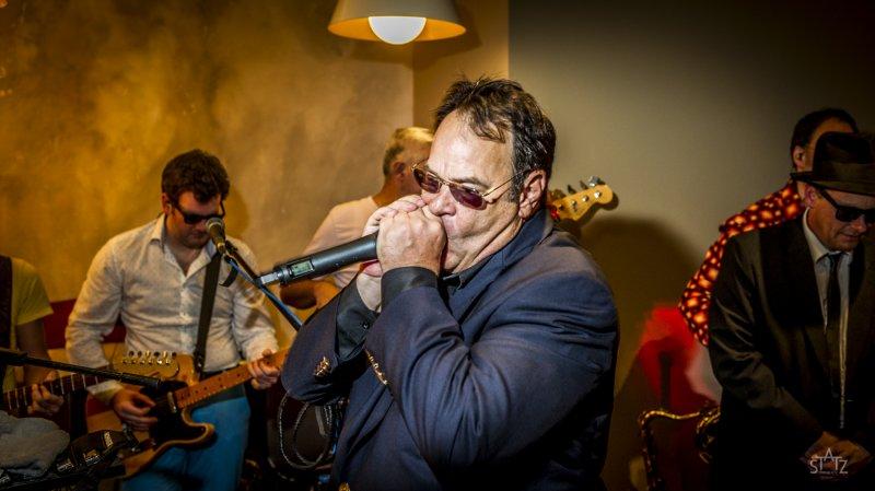 Statz-Fotografie-Blues Brothers- Dan Aykroyd mit Blue Onions
